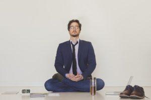 Méditer pour prendre le pouvoir sur ses pensées